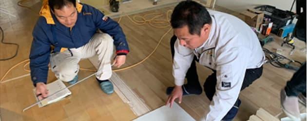 施工中に気になった点があれば、菊井、または大工さんに共有され問題があれば解決されます。お引渡し前には、菊井、大工、職人さんの厳しい目で竣工チェックが行なわれます。
