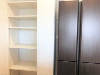 キッチンに大工造作で可動棚の設置 大阪市中央区 O様
