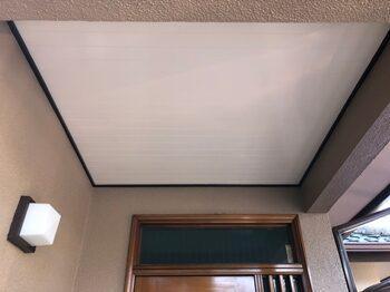 玄関ドア天井部分です。